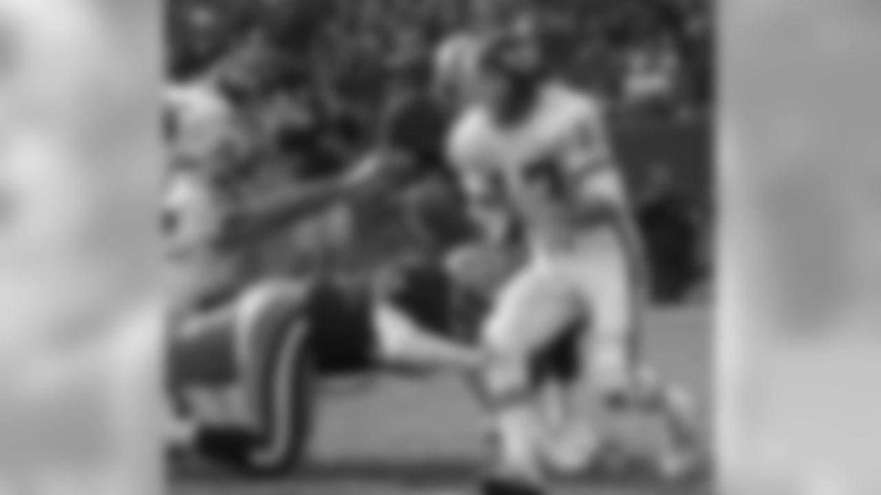 Steve DeBerg | SF (1978-80) | KC (1988-91)