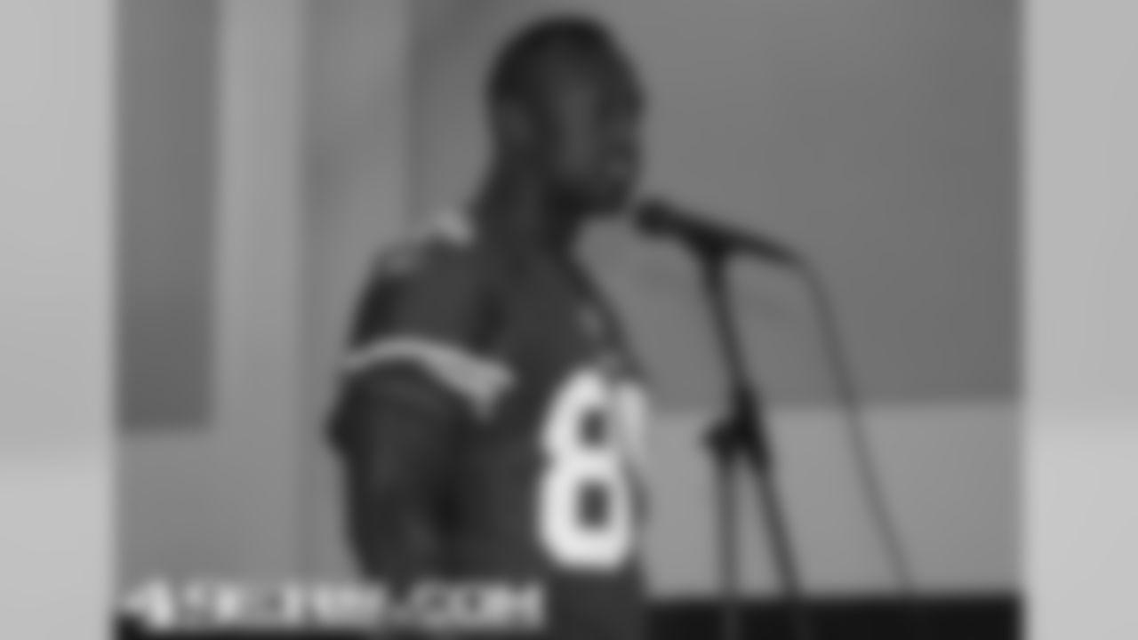 Vernon Davis addressed students at Cabrillo Middle School