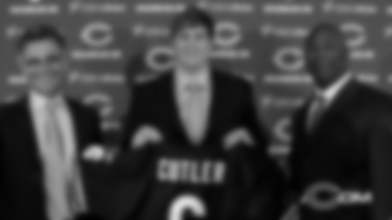 April 2 In 2009, the Bears acquired quarterback Jay Cutler in a blockbuster trade with the Broncos.