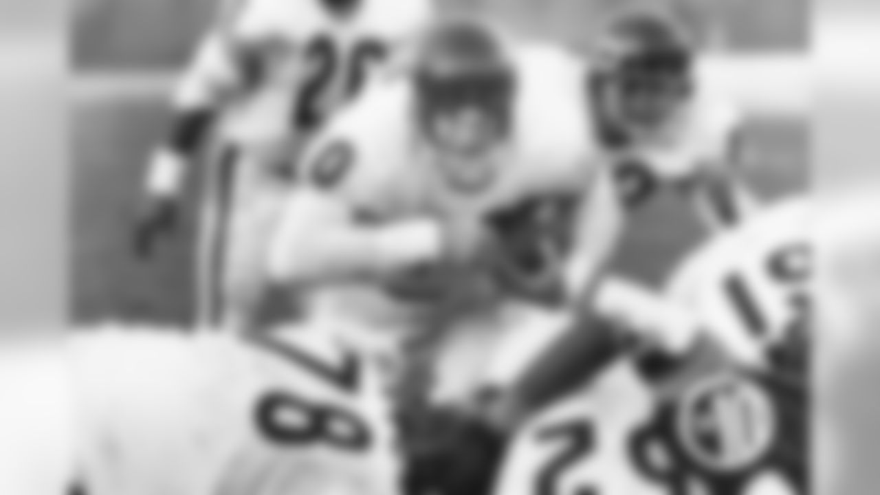 10. Bobby Douglass - 1969-1974. 288 yards in 9 games versus Detroit.