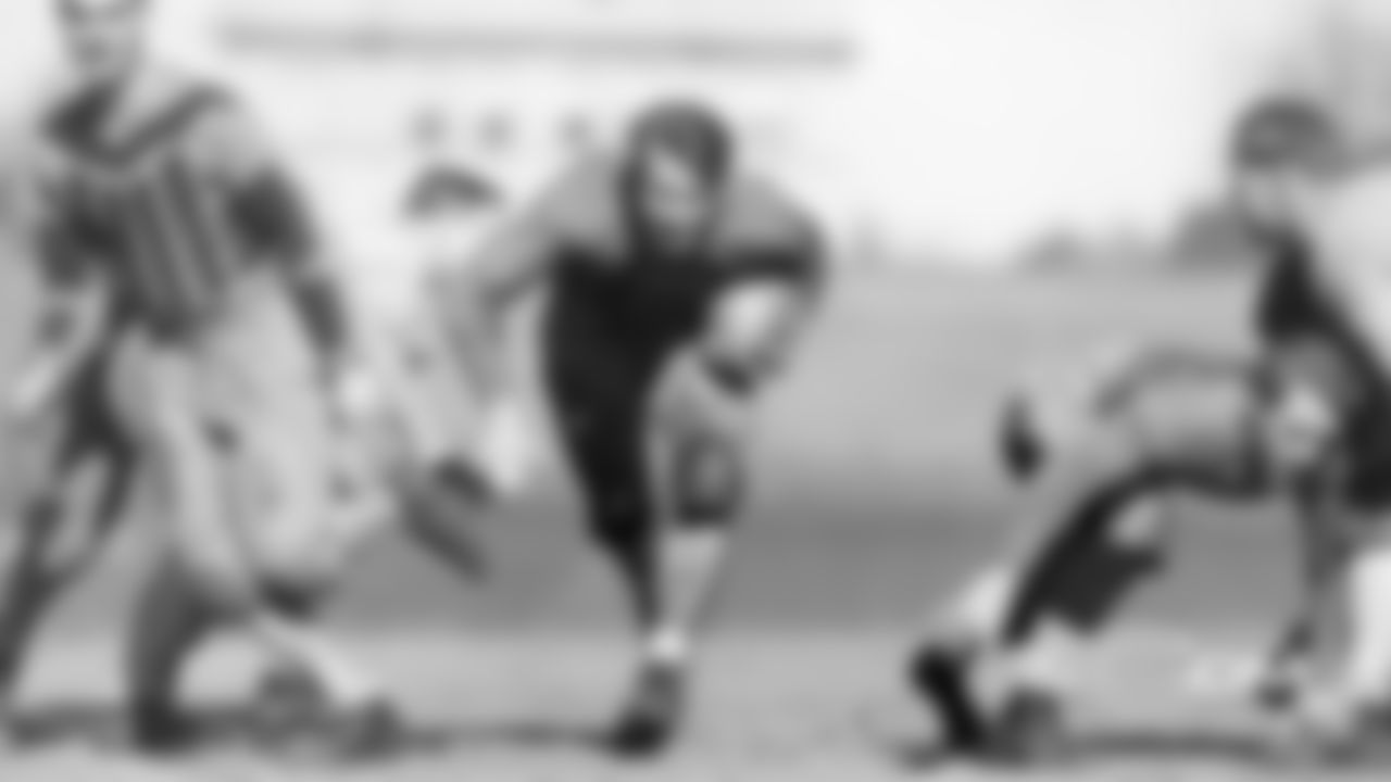 **Bronko Nagurski, fullback**  The Pro Football Hall of Famer, who helped lead the Bears to three NFL championships in the 1930s and '40s, was born in Rainy River, Ontario, before moving across the border to International Falls, Minn., when he was five years old.