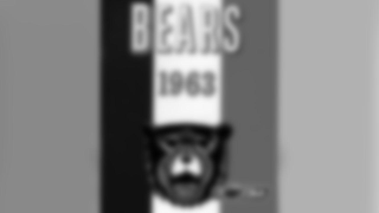 1963 Chicago Bears media guide.