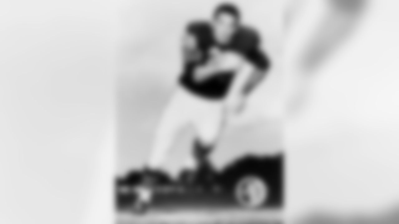 (10) Rick Casares  The fun-loving running back, who played with the Bears from 1955-64, would put bubble bath in the team whirlpool and was once fined by George Halas for bringing three suits on an overnight road trip.
