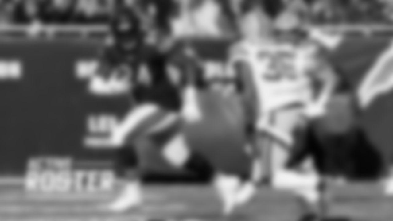 RB Jordan Howard