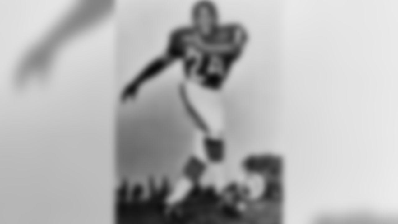 10) Roosevelt Taylor (1961-69), 23 INT