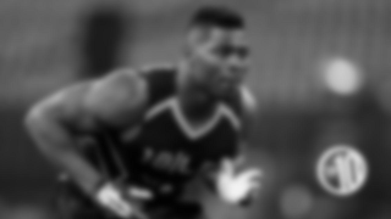 T10) Khalil Mack  Bench reps: 23