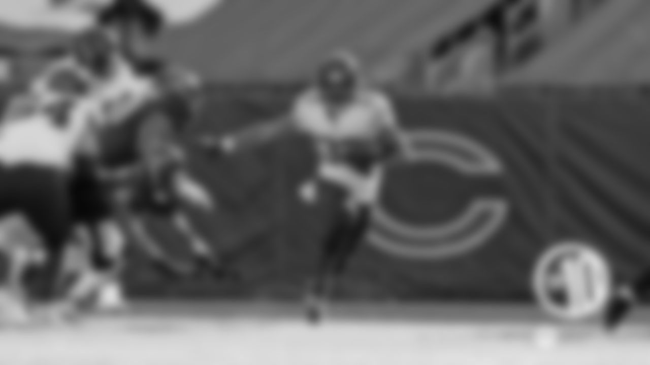 (10) Montgomery goes the distance  David Montgomery raced 80 yards for a touchdown on the Bears' first play from scrimmage in a 36-7 win over the Texans Dec. 13 at Soldier Field. It was the longest run by a Bears player since Neal Anderson's 80-yard TD Nov. 27, 1988 against the Packers.