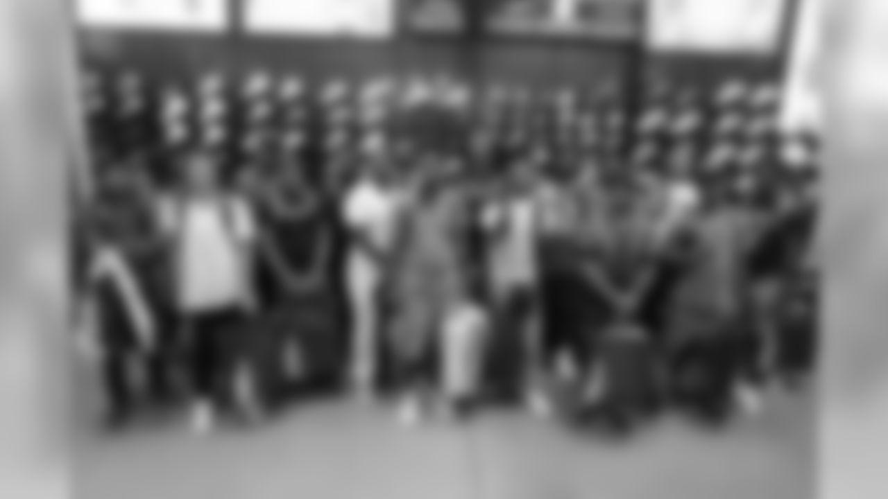 180812-mixon-back-to-school-016