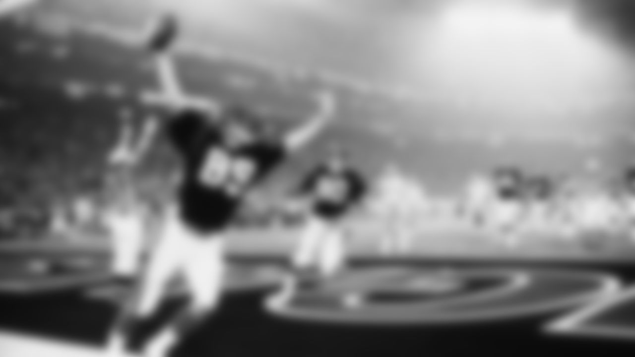 Cincinnati Bengals Dan Ross celebrates as he scores a touchdown during Super Bowl XVI Jan. 24, 1982, at the Pontiac Silverdome in Pontiac, Mich. (Tony Tomsic via AP)