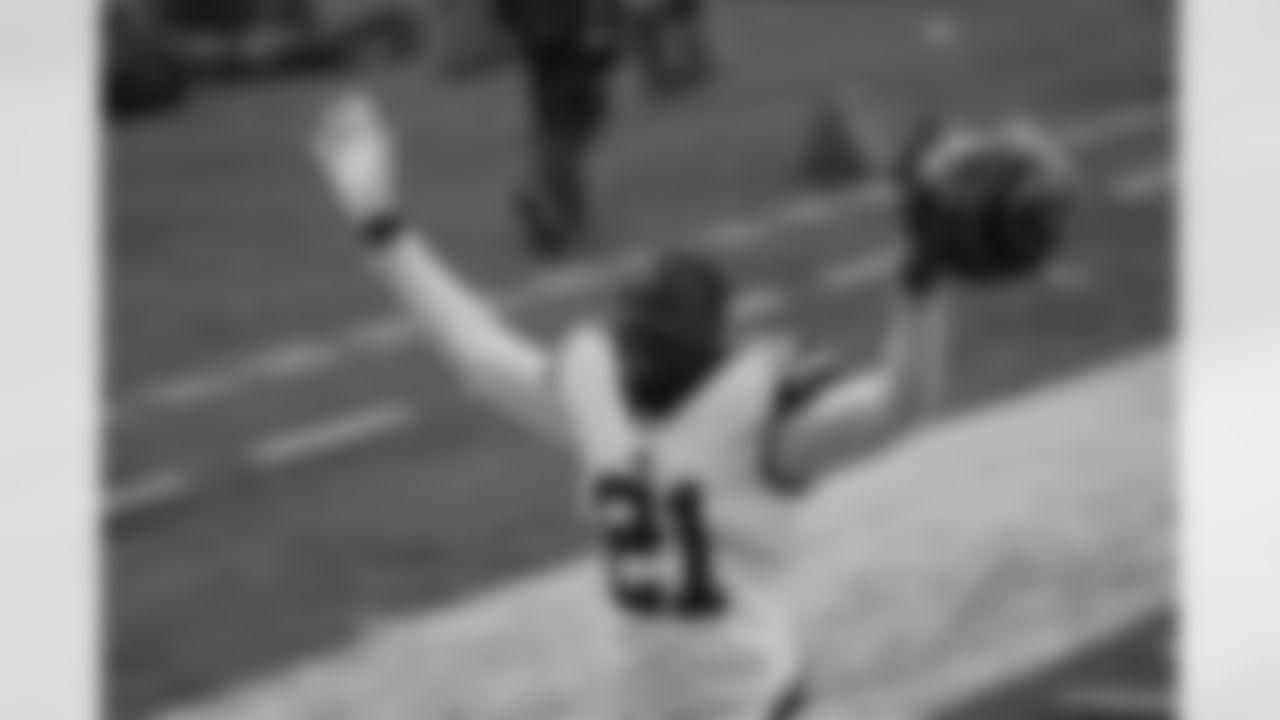 Cincinnati Bengals' Mackensie Alexander (21) celebrates as he leaves the field following of an NFL football game against the Tennessee Titans, Sunday, Nov. 1, 2020, in Cincinnati. Cincinnati won 31-20. (AP Photo/Bryan Woolston)