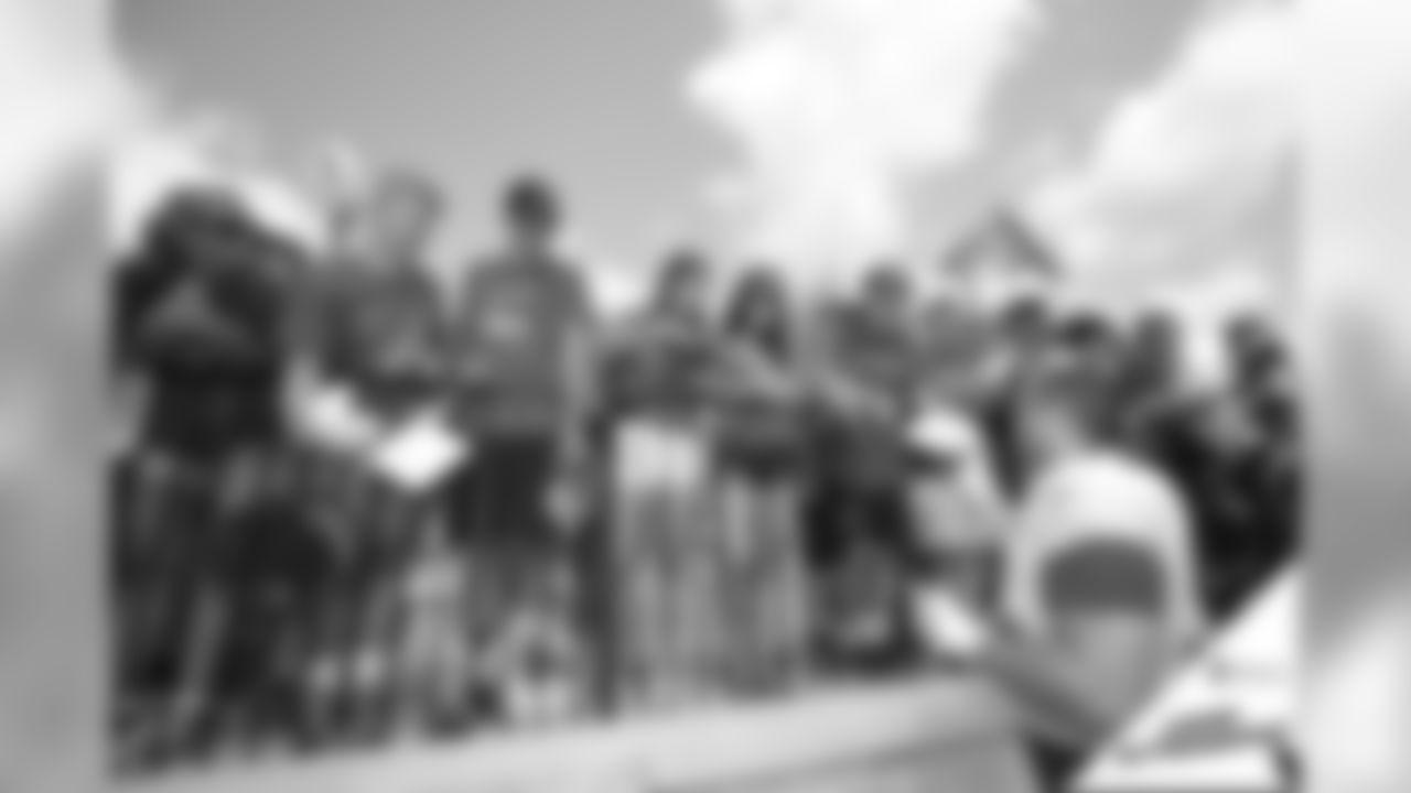 080218-camp-autographs-open