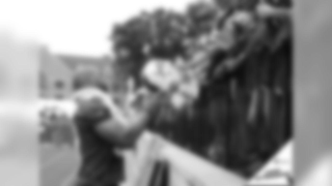 073019-camp-autographs-cover