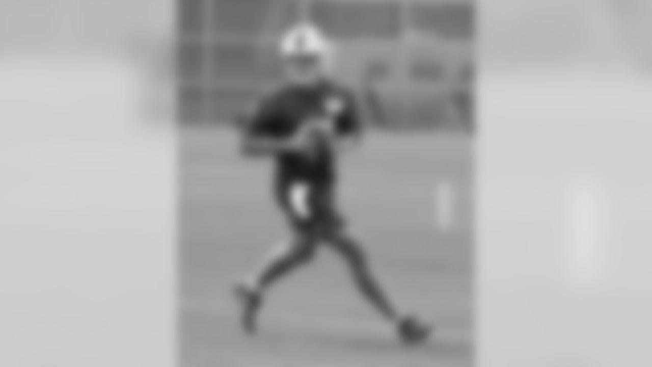 QB Josh Allen (17)