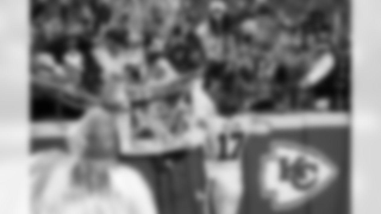 Josh Allen (17). Buffalo Bills vs Kansas City Chiefs at Arrowhead Stadium, October  10, 2021.   Photo by Craig Melvin