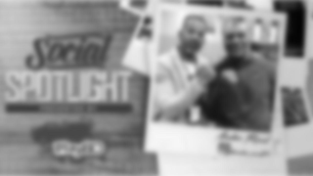 Social-Spotlight-SB-Open
