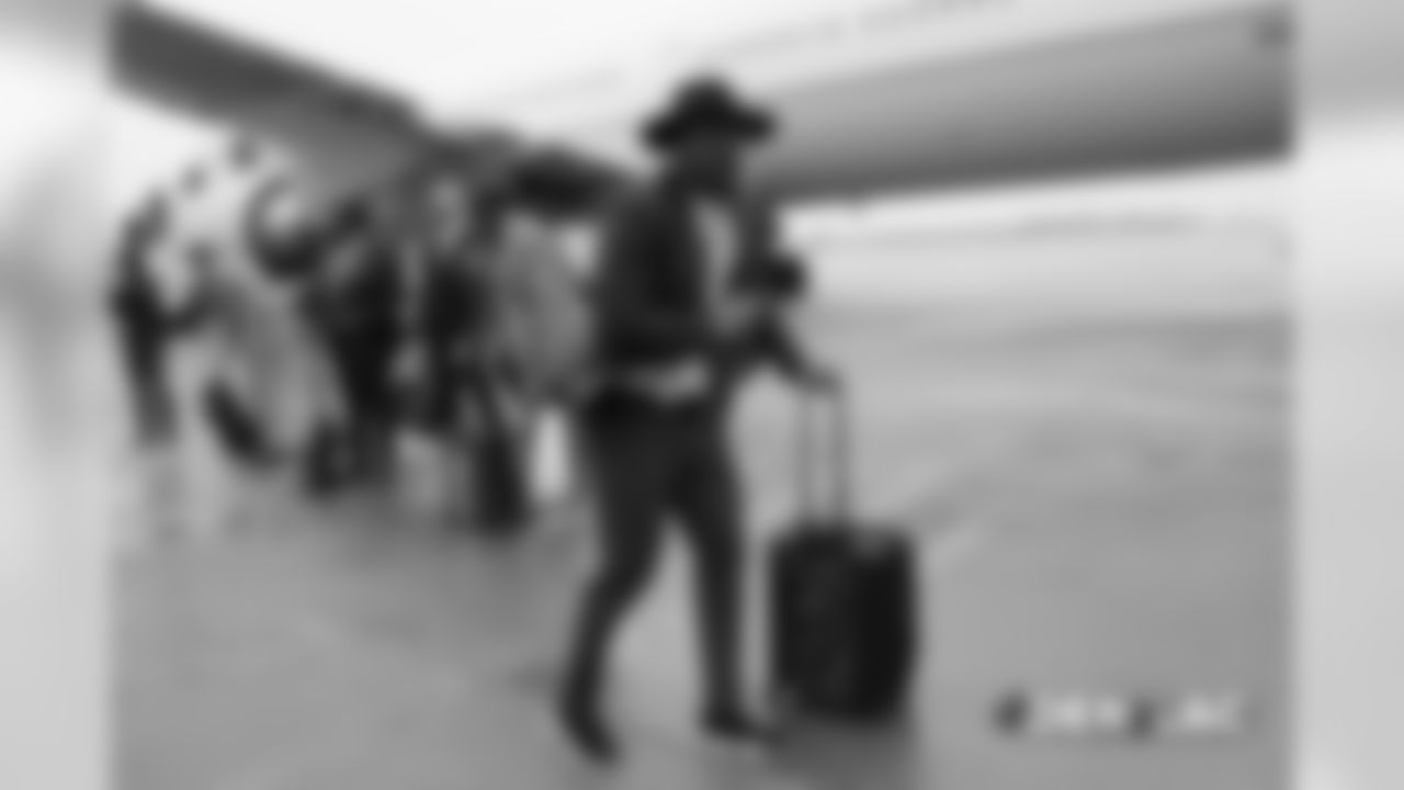 Von Miller on the tarmac at Signature Flight Support in Denver, Colorado, November 17, 2018. Photo by Gabriel Christus