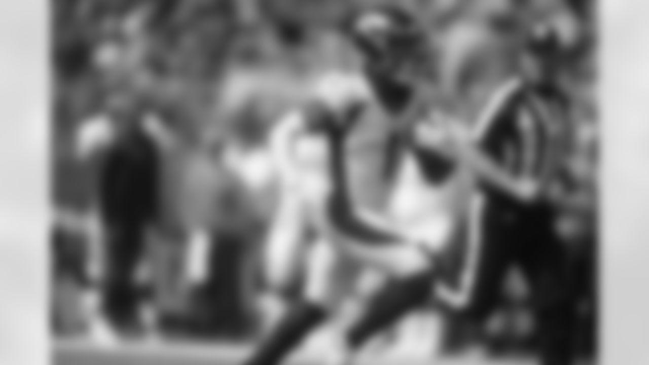 Denver Broncos wide receiver KJ Hamler (1) during the NFL preseason game against the Minnesota Vikings on Saturday, August 14, 2021 at US Bank Stadium in Minneapolis, Minnesota. Photo by Marilyn Indahl