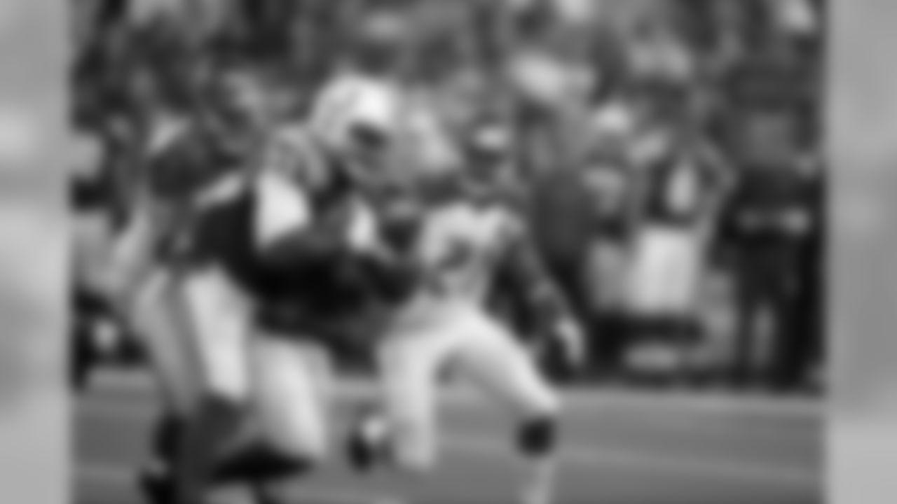 2015 stats: 16 rec., 109 rec. yards (6.8 per rec.), 1 rec. TD Career stats: 91 rec., 1,045 rec. yards (11.5 per rec.), 13 rec. TD, 4 NFL seasons