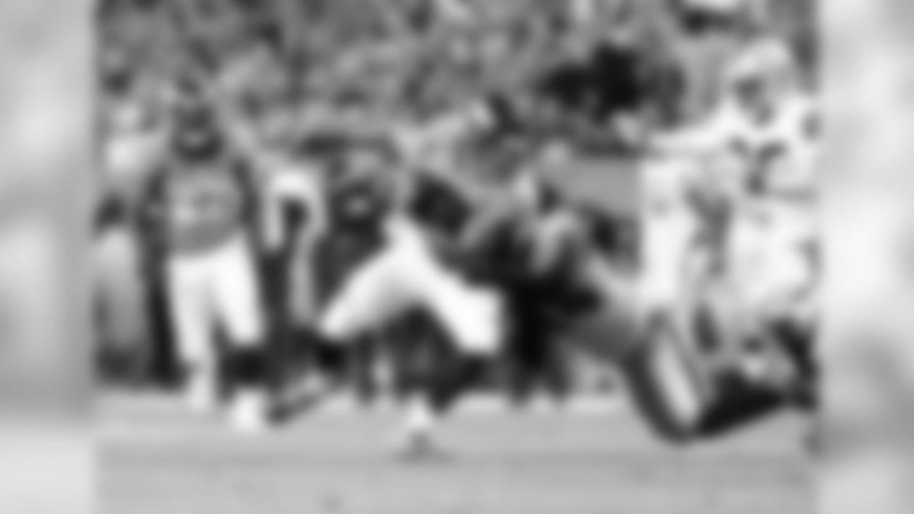 #10 WR Eric Decker Catch and Run vs. Oakland