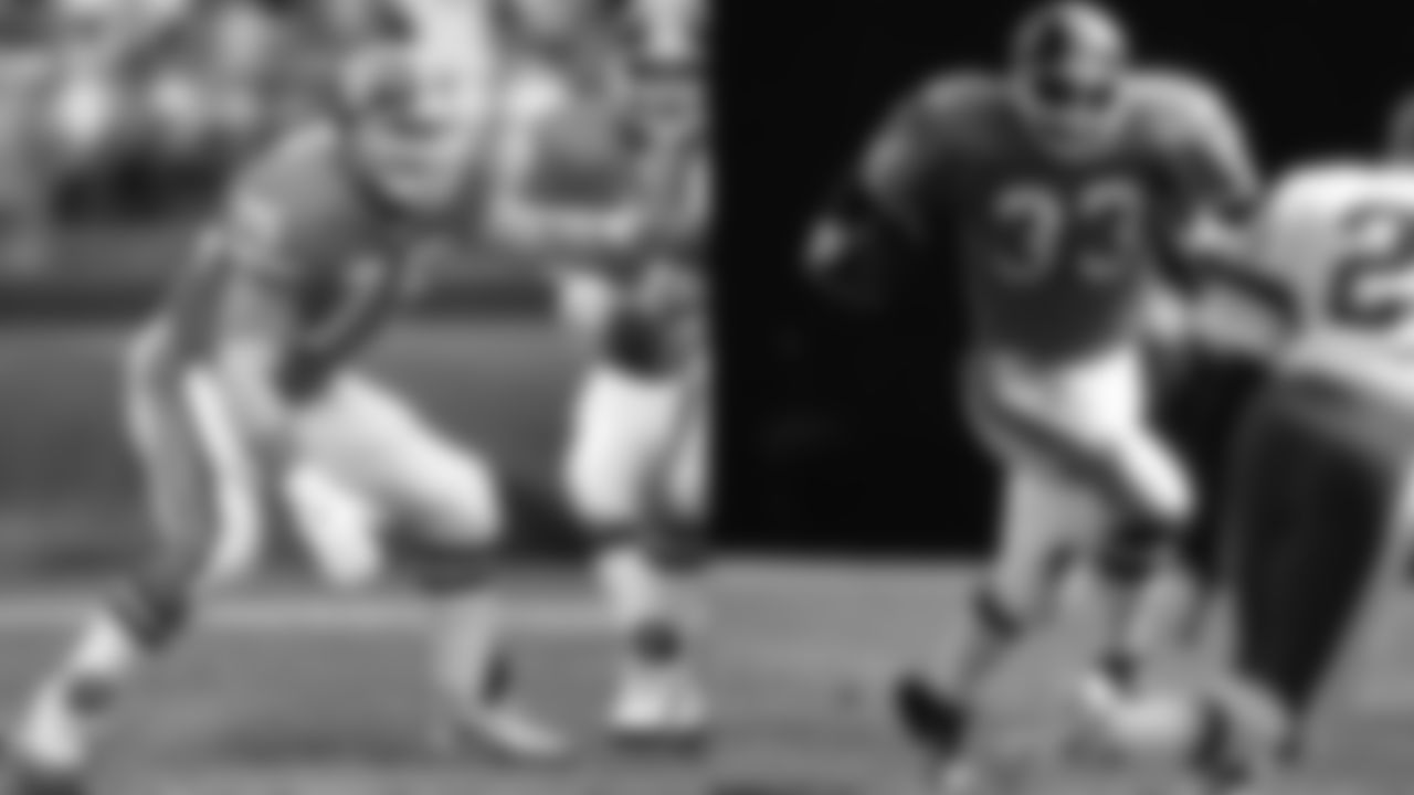 Key signings: OL Brian Habib (pictured, left), RB Rod Bernstine (pictured, right), P Tom Rouen, LB David Wyman  The Broncos' big offseason signing was Don Maggs, whom Denver expected to be start at left tackle, but due to an injury to Maggs, the Broncos sought out a trade for Hall of Fame tackle Gary Zimmerman before the season. Also, the team found Habib and Rouen, who played in Denver for years to come. Wyman and Bernstine contributed successful seasons as well.