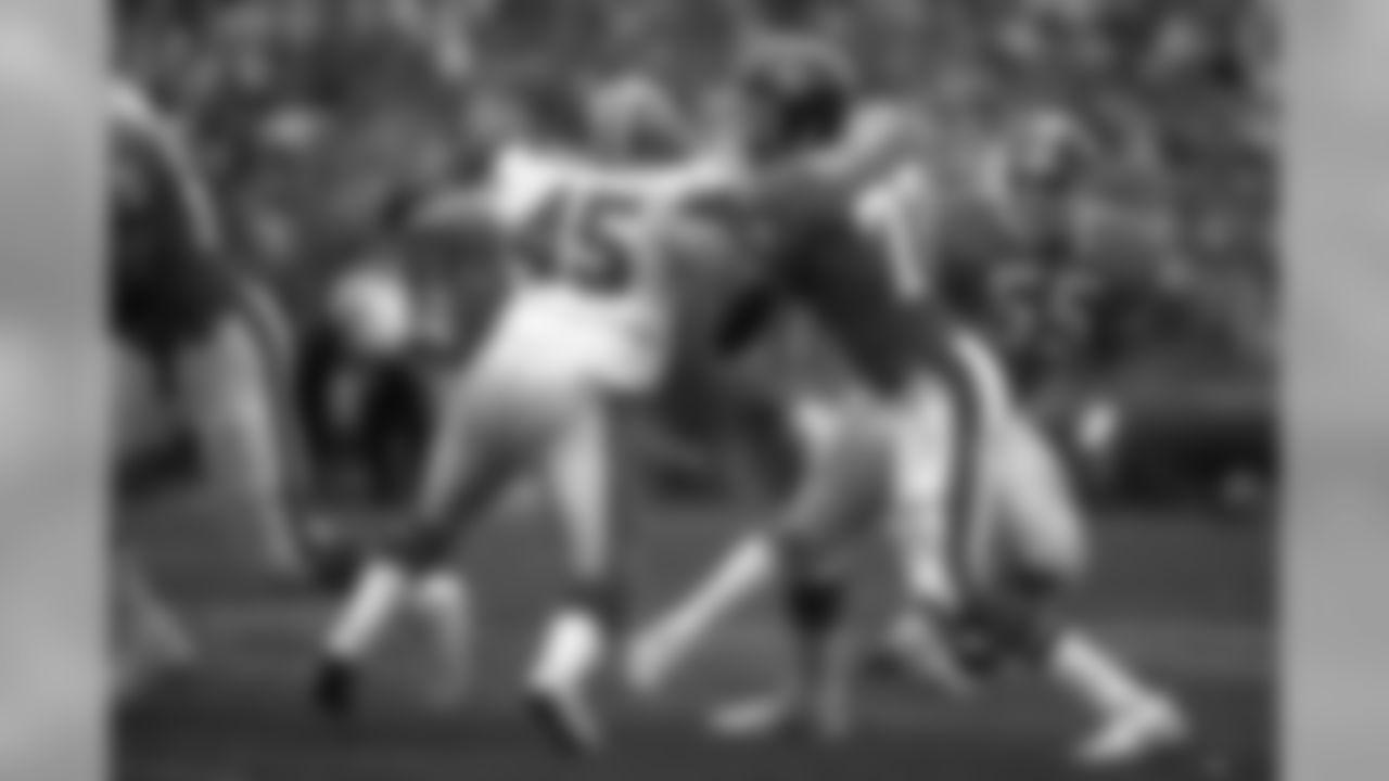 Linebacker Simon Fletcher breaks through the Falcons' line during an October 16, 1988 win (30-14) over Atlanta at Mile High Stadium.