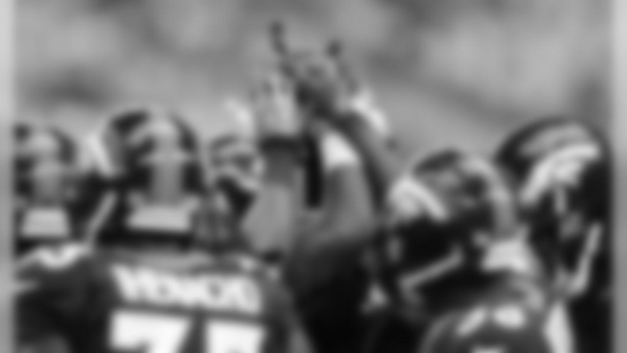 Broncos Players Huddle Pregame