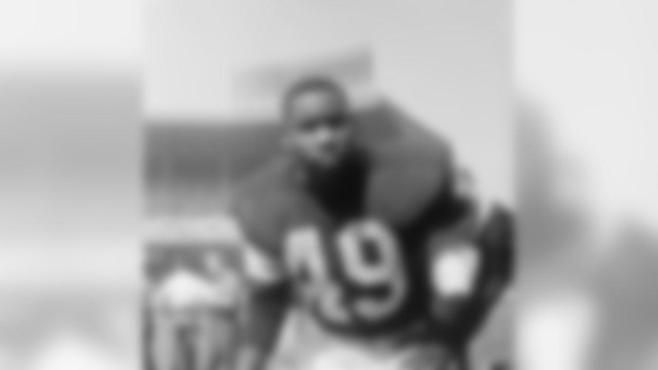 10) Bobby Mitchell (1958-61) - 2,297