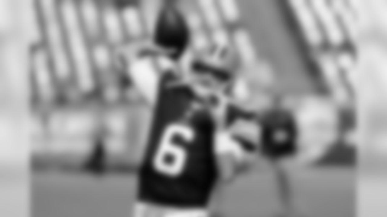Regular Season Game 4: Browns vs Titans