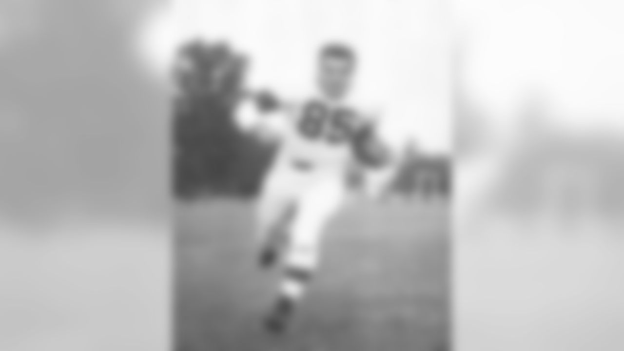 Akron native Ara Parseghian  scored the first touchdown on the day for the Browns.