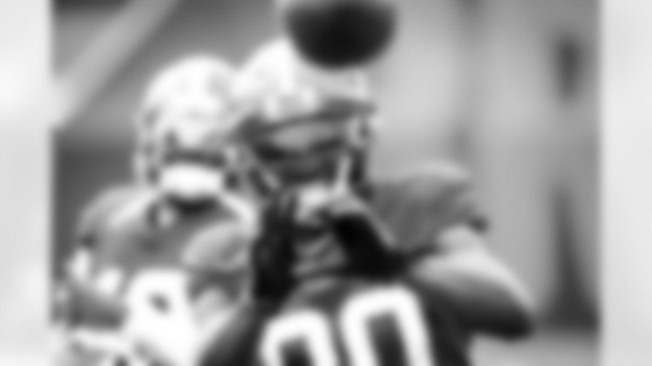 Wide receiver Jarvis Landry (80) during practice on September 15, 2021.