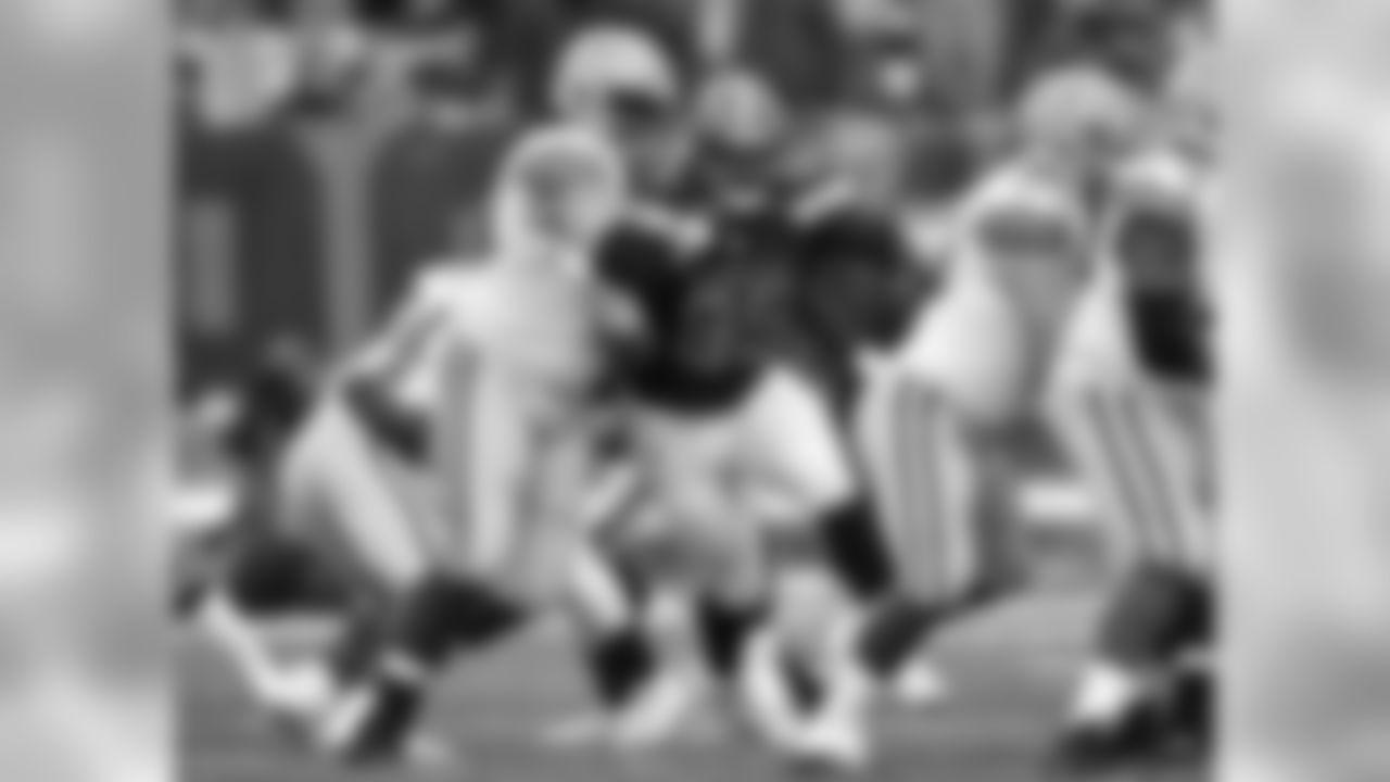 DL Myles Garrett runs against the Packers.