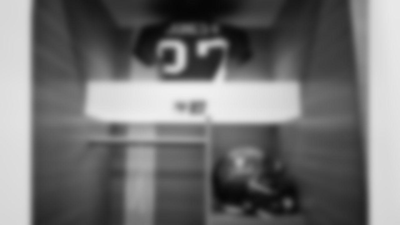 EAST RUTHERFORD, NJ - NOVEMBER 02, 2020 - Running Back Ronald Jones II #27 of the Tampa Bay Buccaneers' locker before the game between the Tampa Bay Buccaneers and New York Giants at MetLife Stadium. The Buccaneers won the game, 25-23. Photo By Kyle Zedaker/Tampa Bay Buccaneers