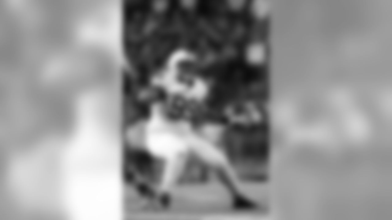 Austin Johnson, Broncos - NT