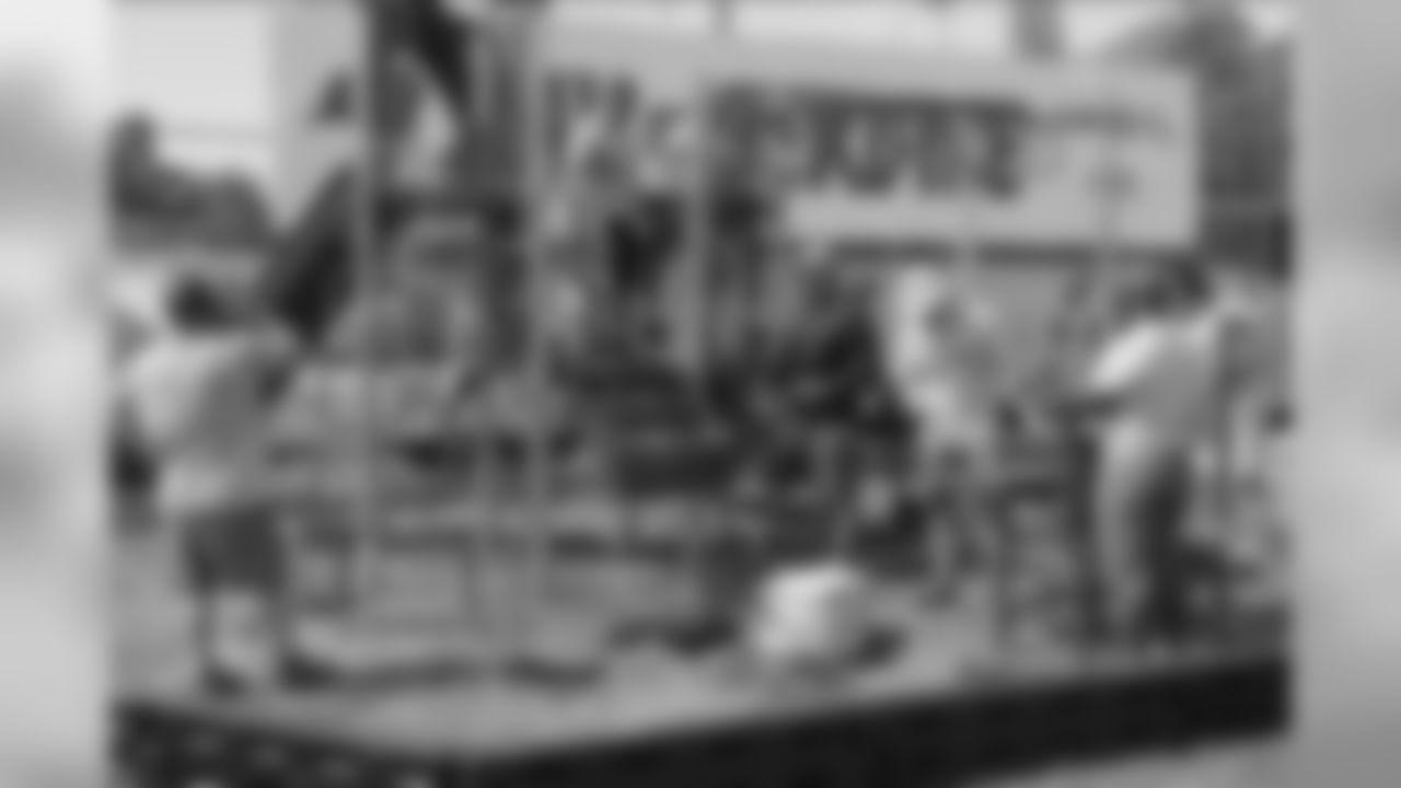 190510_MC_BucsDayOfServiceWEB_0063