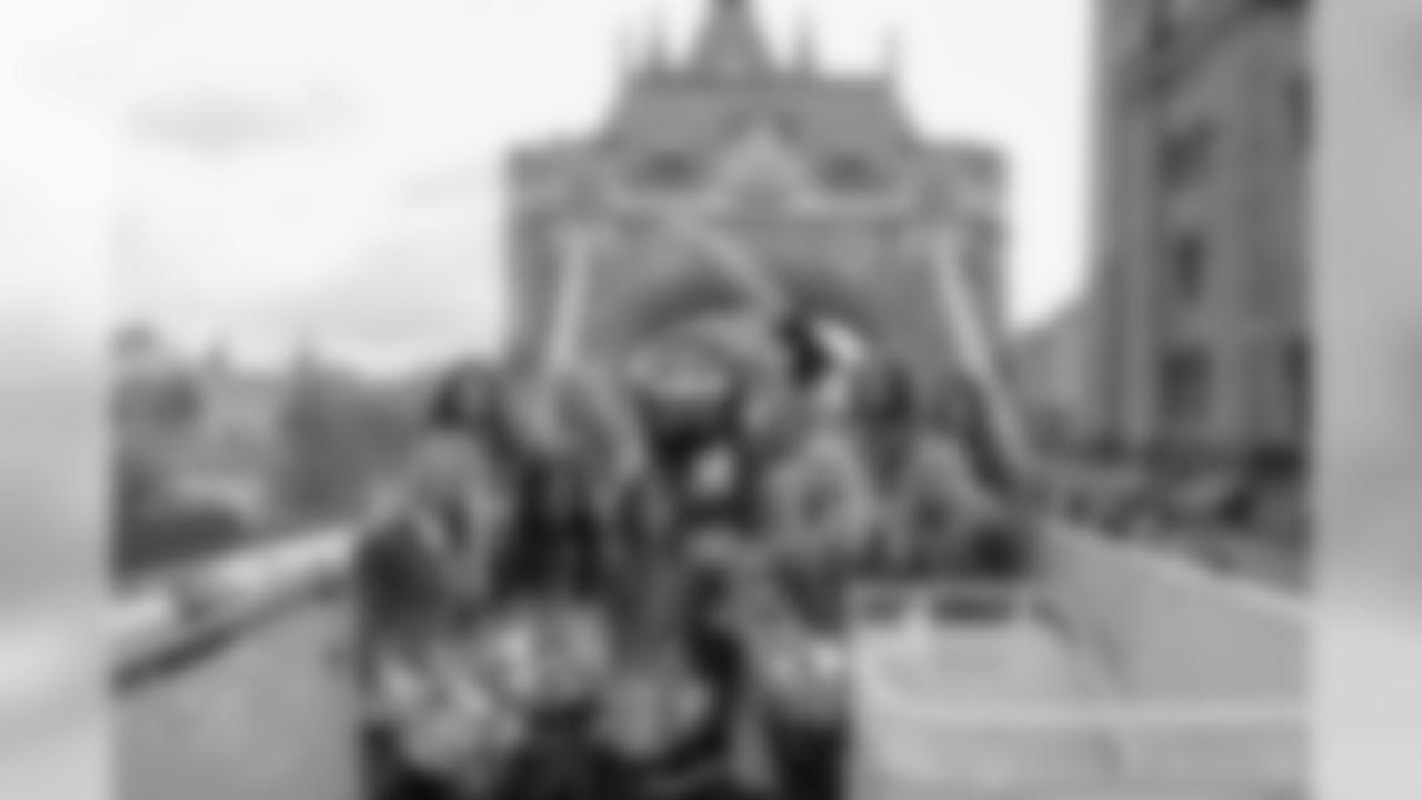 191012_MC_Bucs_Bus_0003