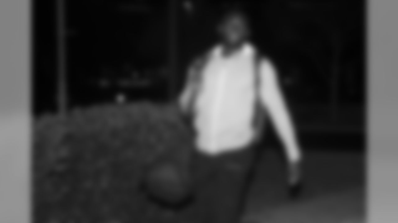 190401_Player_Arrivals_001