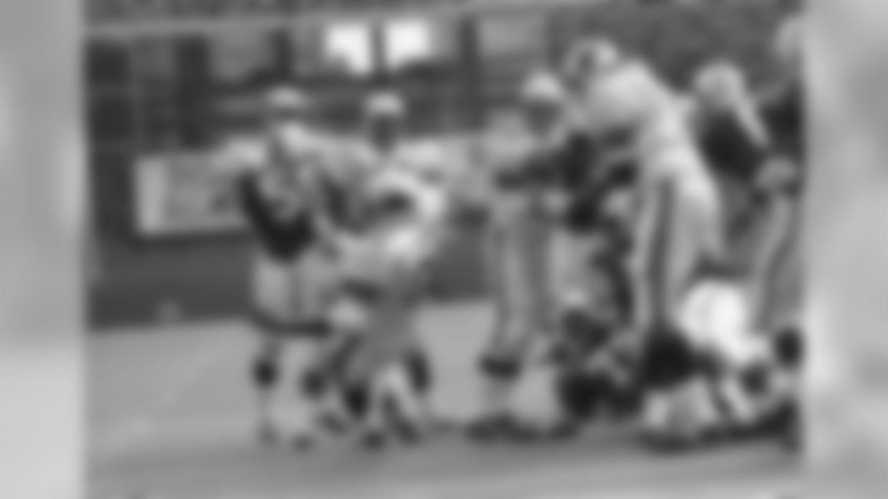 1970: Cardinals RB MacArthur Lane scores a touchdown