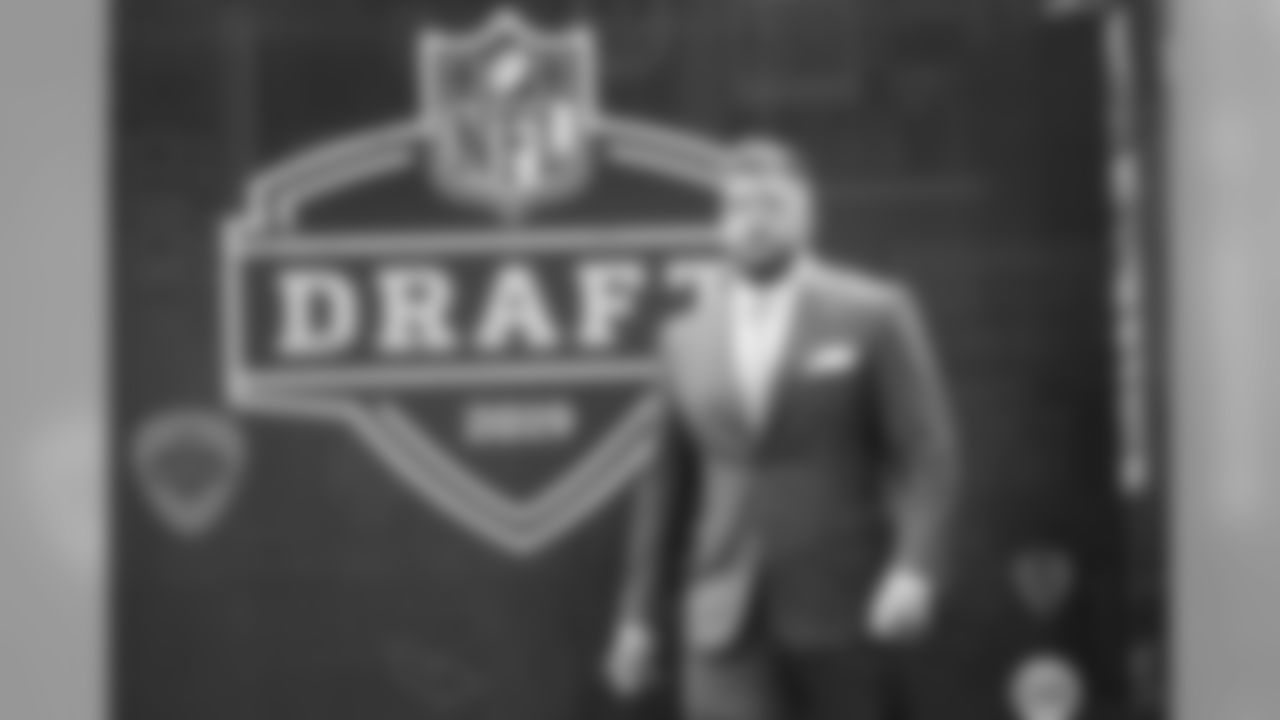Alabama tackle Jonah Williams walks the red carpet ahead of the first round at the NFL football draft, Thursday, April 25, 2019, in Nashville, Tenn.