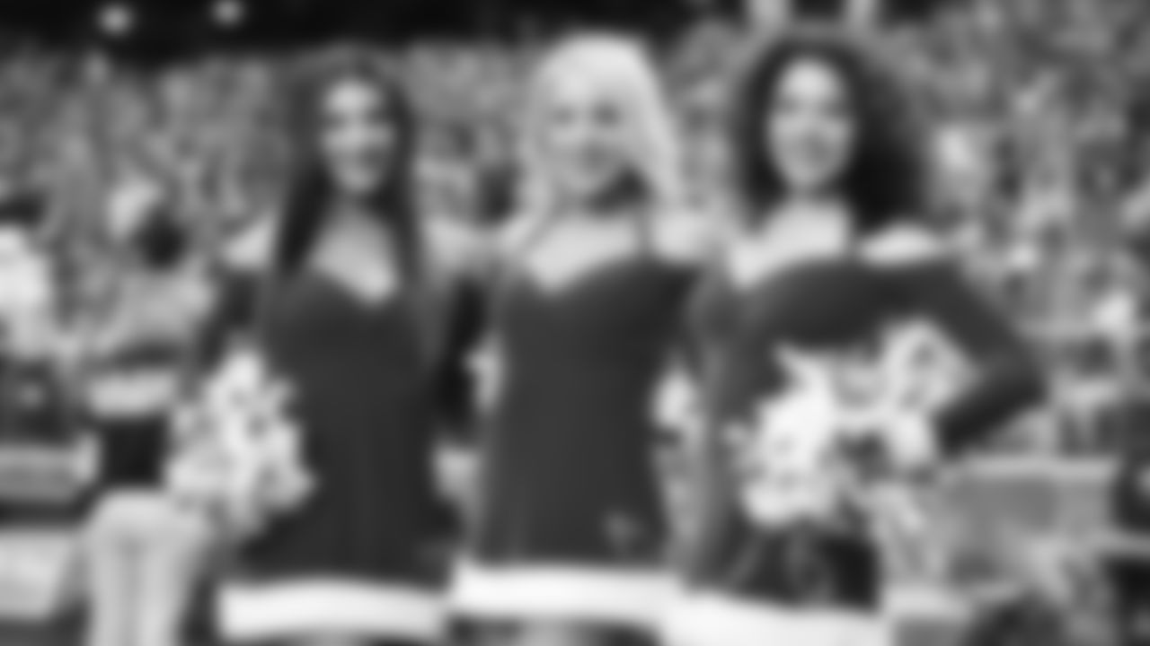 Images of the Cardinals cheerleaders during the Week 15 contest at State Farm Stadium