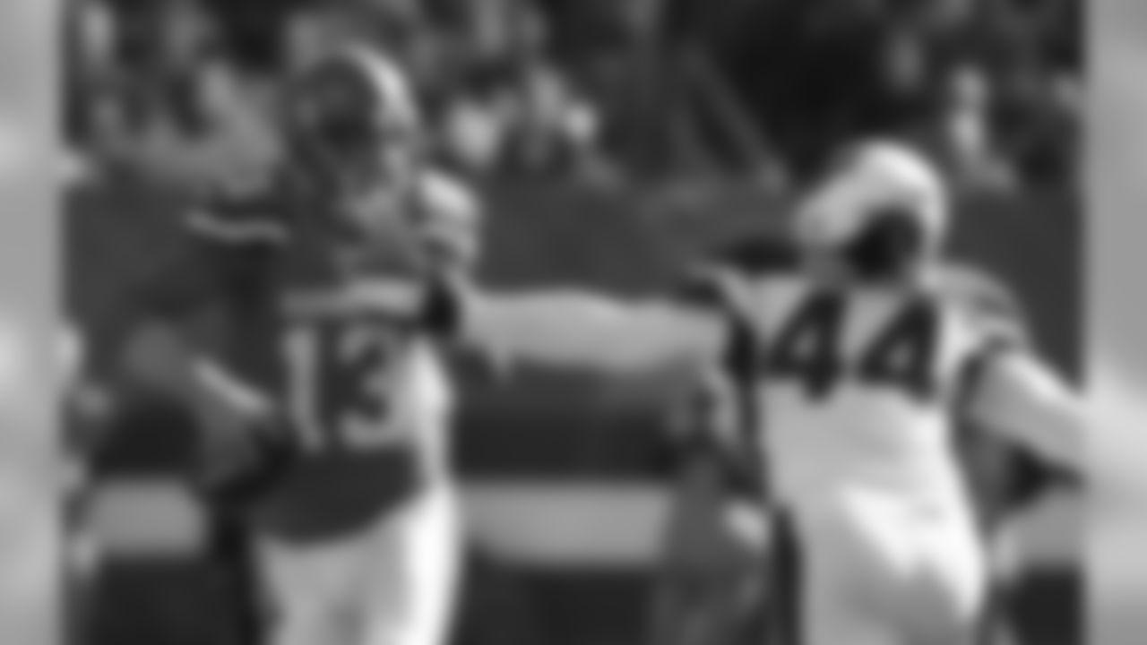 LB Markus Golden pressures Browns QB Josh McCown