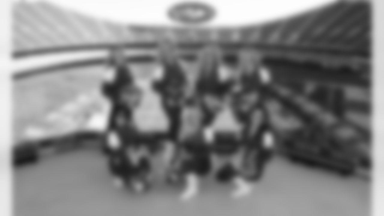 001_2020-W4_CheerGallery
