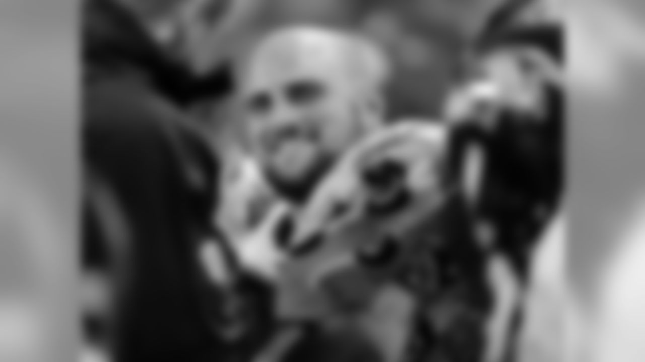 Baltimore Ravens offensive lineman Gino Gradkowski (66)
