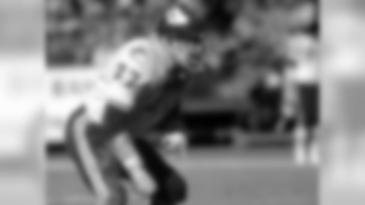 Jim Tyrer, Tackle 1961-1973, Third round Pick 22 Overall AFLoffensive Lineman of the year 1969