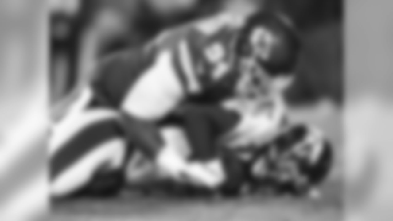 Denver Broncos quarterback Peyton Manning (18)
