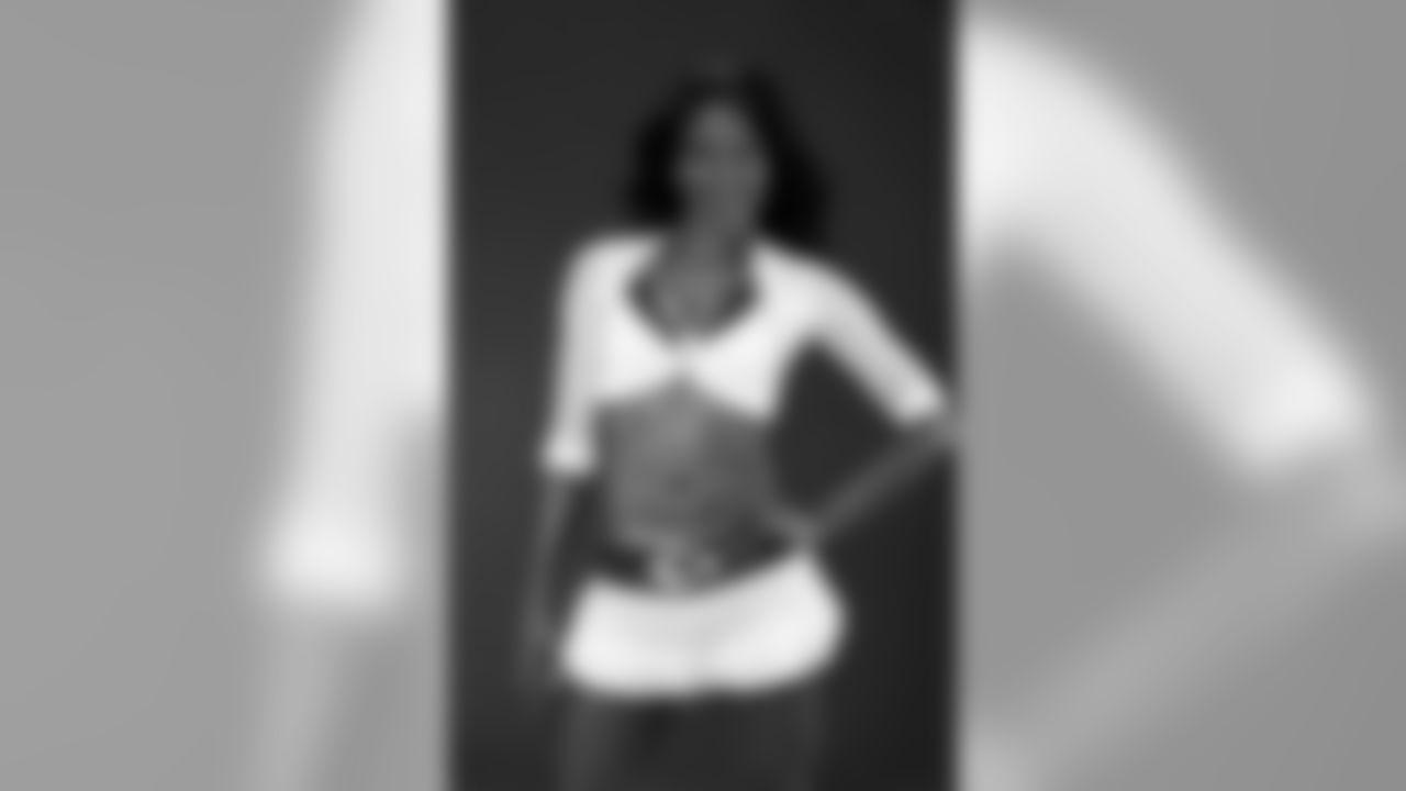 Meet Kansas City Chiefs Cheerleader Tara