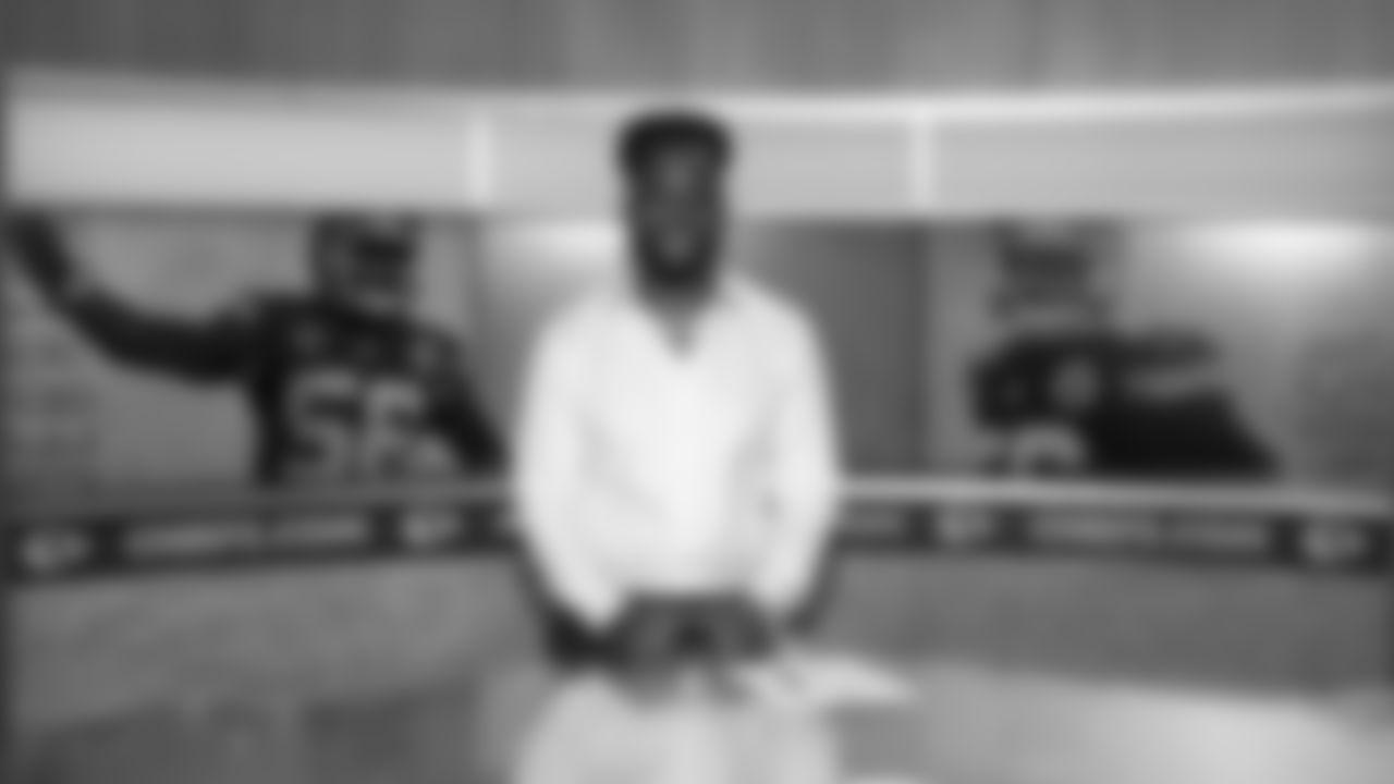 001_2019_DJ_Signing_1D