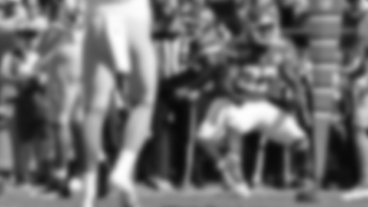 Kansas City Chiefs vs Los Angeles Chargers at GEHA Field at Arrowhead Stadium in Kansas City, MO on September 26, 2021