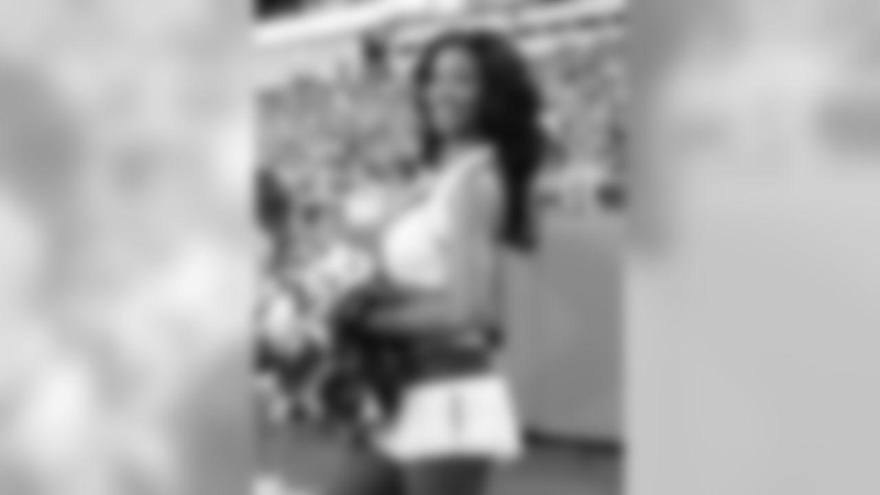 Kansas City Chiefs Cheerleader Alexis