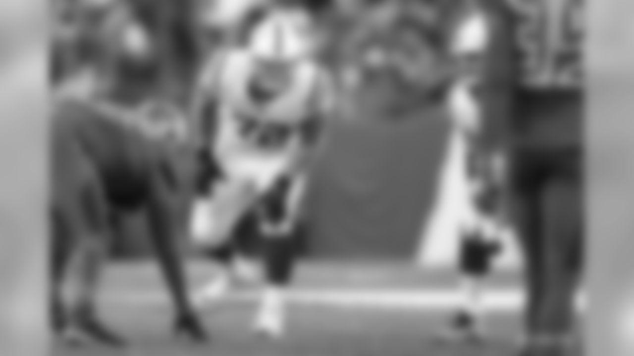 72 tackle Braden Smith