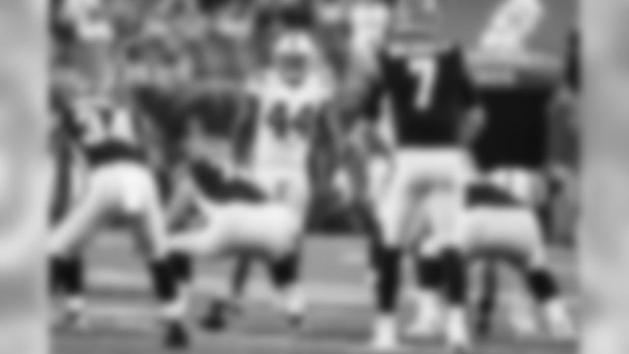 44 linebacker Zaire Franklin